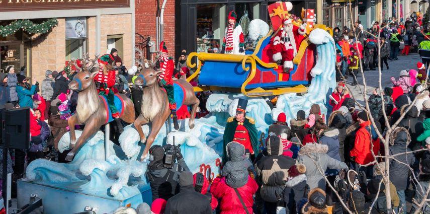 Photo du défilé du père Noël au Centre-Ville de Saint-Hyacinthe le 8 décembre 2018, par Réal Voghel, photographe